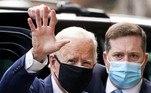 Retorno à OMSNo auge da pandemia, Trump divulgou diversas teorias de que a Organização Mundial da Saúde e a China tinham permitido que a pandemia da covid-19 se espalhasse pelo mundo, criticou intensamente o diretor-geral da organização,Tedros Adhanom, e, finalmente, deixou de apoiá-la financeiramente. Em novembro, Biden prometeu que vai reatar os laços com a agência