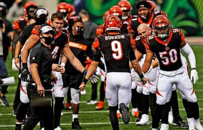 Joe Burrow conquistou a primeira vitória na NFL. O problema do Cincinnati Bengals é que o próximo jogo é contra o Baltimore Ravens.