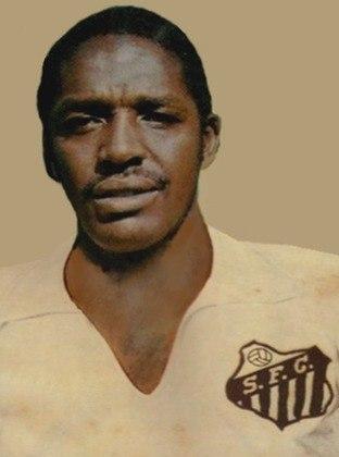 Joel Camargo -Joel Camargo foi quarto-zagueiro do Santos e da Seleção Brasileira. Ele faleceu em 23 de maio de 2014, com 69 anos, de insuficiência renal.