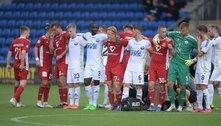 Jogador sofre mal súbito em campo e partida na Dinamarca é suspensa