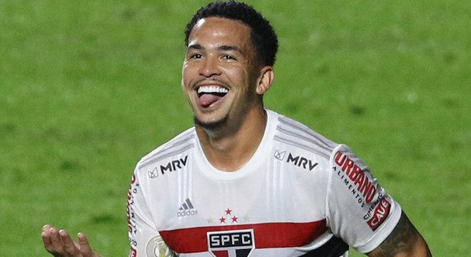 Luciano marcou o gol da vitória do líder São Paulo. Futebol contra o Sport foi decepcionante