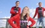 Aos 19 anos, Ellen vai ser a primeira jogadora autorizada a participar de campeonatos oficiais em times masculinos. Meninos e meninos estavam autorizados a jogar juntos até os 18 anos na Holanda. A partir daí, os homens seguiam para a Classe A e as mulheres para a B