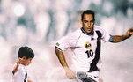 Rival de Romário na época de futebol, Edmundo também mantém forma física em dia. O comentarista de 49 anos é um dos ex-atletas que sempre mostra estar em forma nos amistosos de fim de ano