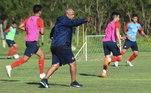 O lateral-direito Arce atualmente é treinador do Cerro Porteño, importante time do Paraguai