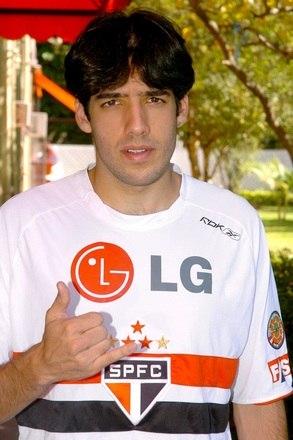 Outro jogador que teve uma transferência conturbada envolvendo os dois clubes, Ilsinho foi revelado pelo Palmeiras. O lateral direito ficou durante dez anos na categoria de base do Verdão, mas teve um desentendimento com a diretoria palmeirense no início de 2006 e de fato pulou o muro, se transferindo para o rival São Paulo, onde foi campeão brasileiro de 2006 e jogou até 2007