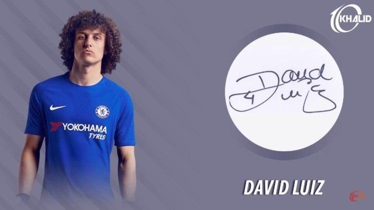 Jogadores e seus respectivos autógrafos: David Luiz