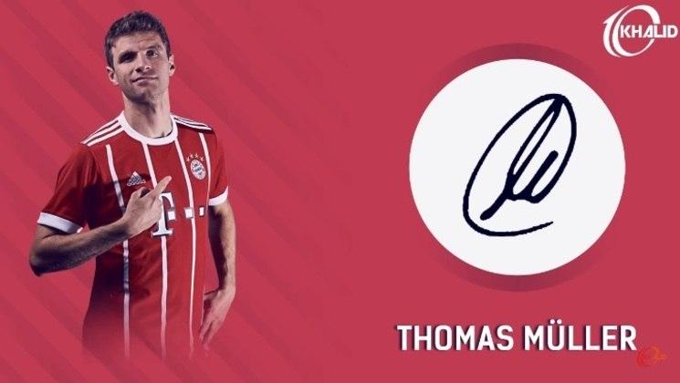 Jogadores e seus respectivos autógrafos: Thomas Müller