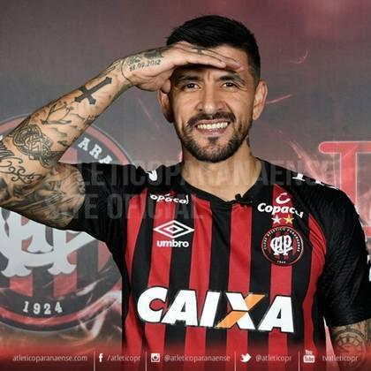 Lucho Gonzalez - Athletico Paranaense - 39 anos - meia - argentino