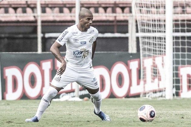 Carlos Sanchez - Santos - 35 anos - meia - uruguaio