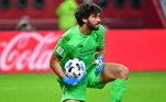 4º - Alisson (Brasil - Liverpool) - 80 milhões de euros (R$ 488 milhões)