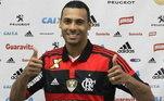 Élton (Flamengo) - Entre os artilheiros do Campeonato Brasileiro, Élton, atacante do Sport Recife, passou por diversos clubes no Brasil. Em 2014, Élton teve uma passagem no Flamengo, mas não deixou saudades no torcedor. O atacante fez apenas 13 jogos na temporada e marcou dois gols