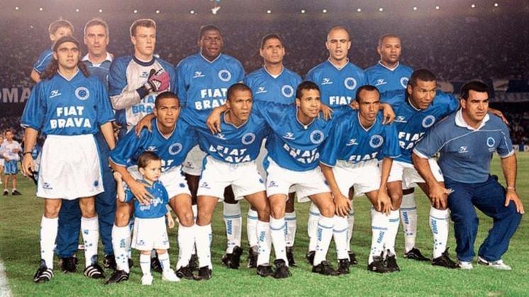 Jogo de ida da final de 2000: São Paulo 0 x 0 Cruzeiro - Na volta, o Cruzeiro venceu por 2 a 1 e foi campeão.