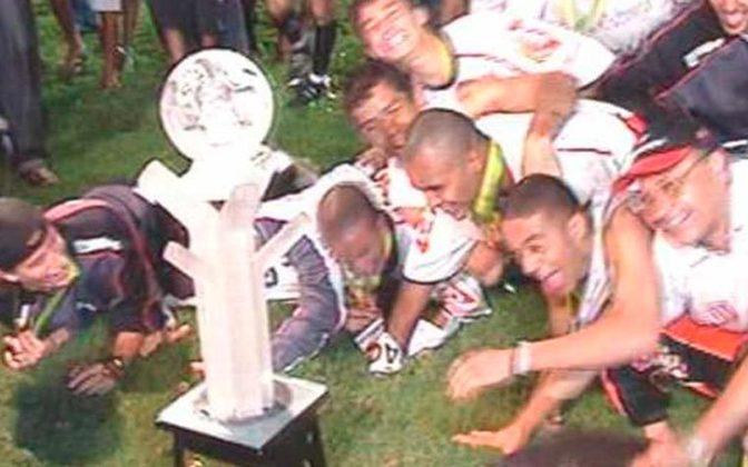 Jogo de ida da final de 2005: Paulista 2 x 0 Fluminense - Na volta, as equipes empataram em 0 a 0 e o Paulista foi campeão.