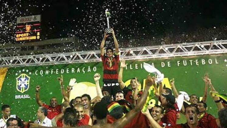 Jogo de ida da final de 2008: Corinthians 3 x 1 Sport - Na volta, o Sport venceu por 2 a 0 e foi campeão pelo gol marcado fora de casa.