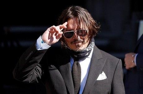 Ator Johnny Depp chega à Alta Corte de Londres