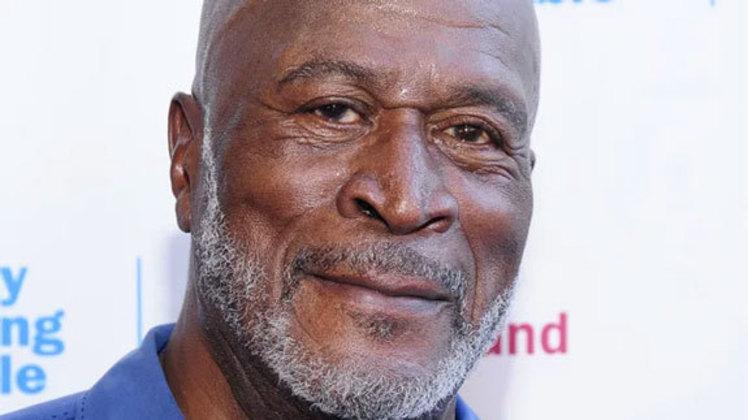 John Amos treinou com Kansas City Chiefs e Denver Broncos, quando os dois faziam parte da AFL (liga que se fundiu com a NFL posteriormente). Amos também jogou em ligas menores antes de iniciar carreira artística.