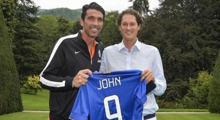 Elkann, com Gigi Buffon e com o futuro da Juve nas mãos