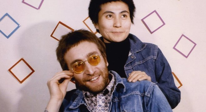 John Lennon foi assassinado por Mark Chapman em 8 de dezembro de 1980.
