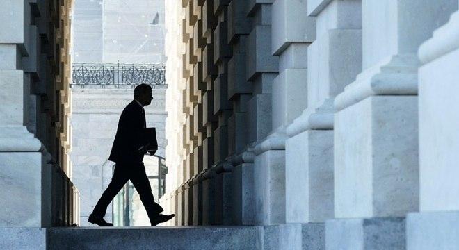 Presidente da Suprema Corte dos EUA, John Roberts chega ao Senado
