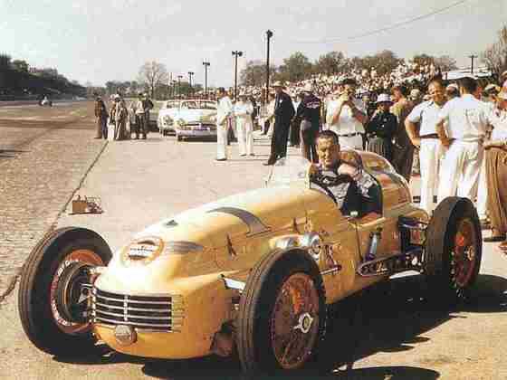 Johnnie Parsons venceu as 500 Milhas de Indianápolis de 1950, que na época contavam também para a F1, e igualou-se aos dois rivais