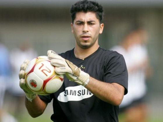 Johnny Herrera - O goleiro chileno Johnny Herrera foi contratado em 2006 pelo Corinthians. Convocado para a seleção do seu país, atuou apenas nove vezes pelo Timão e chegou a ser o terceiro reserva.