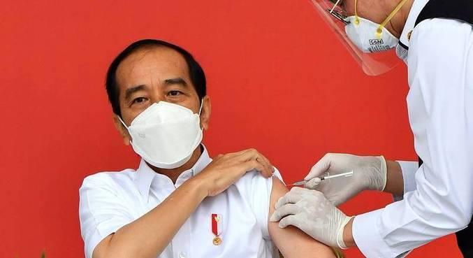 Presidente foi o primeiro a ser imunizado com a CoronaVac