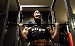 Atualmente com 108,9kg, ele pretende continuar treinando para entrar na categoria dos pesados.