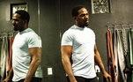 Em fevereiro, Jon Jones abdicou do cinturão da categoria meio-pesado (até 93kg) do UFC, logo depois de vencer Dominick Reyes. Em agosto, ele avisou que estaria disposto a ganhar 27kg para subir para o peso-pesado. Na última semana, os fãs e seguidores do lutador norte-americano ficaram felizes com uma postagem dele