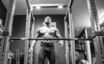 Pela conta do Instagram, Jon Jones mostrou como está a preparação física para poder enfrentar atletas de até 120kg