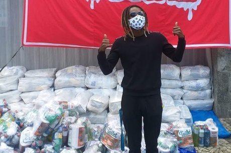 Jonathan Azevedo faz doações durante pandemia da covid-19