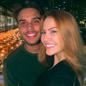 Jonathan e Sarah estão juntos há cinco anos