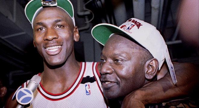 Michael Jordan. A obsessão por agradar o pai o tornou o melhor jogador de todos