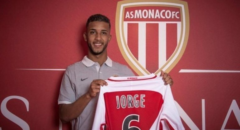 Jorge foi contratado com muita expectativa pelo Monaco. Foi emprestado para três clubes