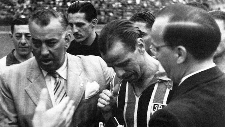 Jorge Gomes de Lima, o Joreca, treinou a equipe do São Paulo de 1943 a 1947. O português foi, também, árbitro de futebol