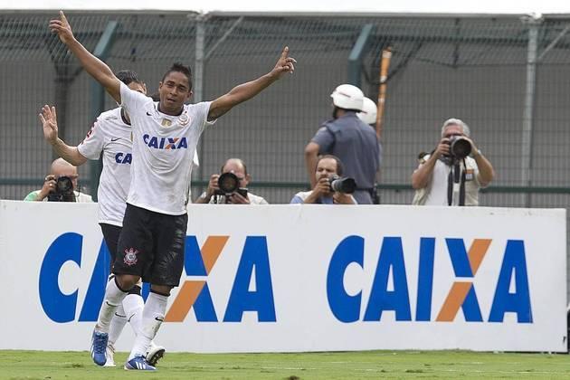 Jorge Henrique - Deixou o Corinthians em 2013, e vestiu a camisa do Internacional. Passou também por Vasco, Figueirense e, atualmente, defende o Náutico.