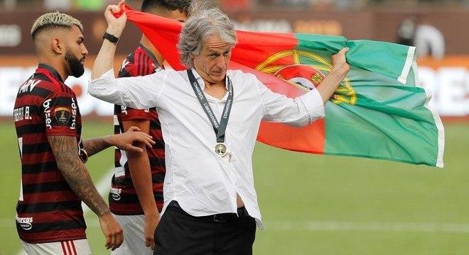 Depois do treinadores velhos, o futebol brasileiro aposta nos portugueses