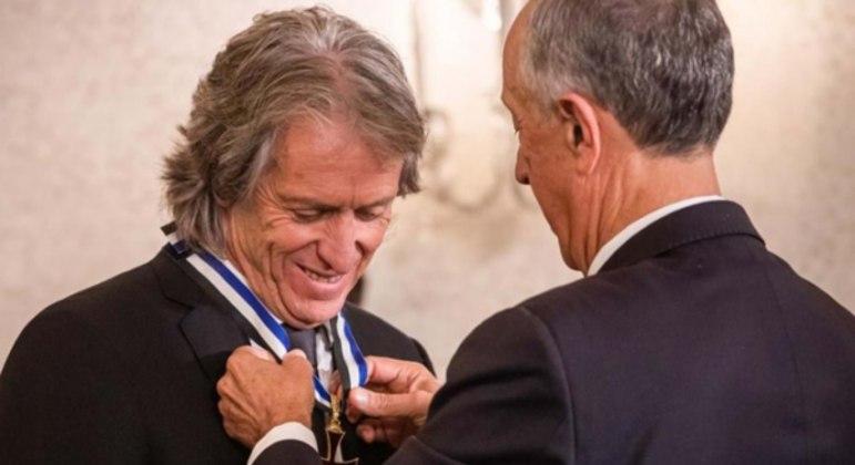 Jorge Jesus foi condecorado em Portugal. Mas em seguida virou as costas ao Flamengo