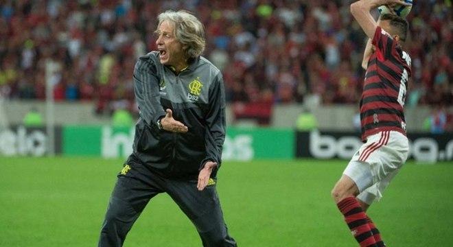 Jorge Jesus. Eliminado da Copa do Brasil. Pelo ultrapassado Tiago Nunes