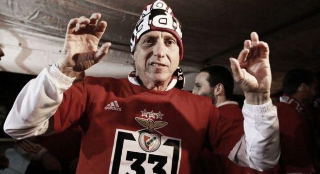 Jorge Jesus foi tricampeão nacional no Benfica. Está abalado com proposta para voltar
