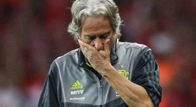 A vibração, a confiança de Jorge Jesus sumiram. Reflexo no futebol do Flamengo