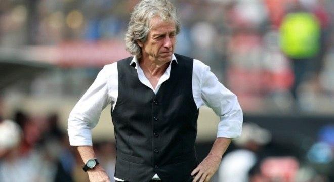 Jorge Jesus refletia toda a tensão de ver o River Plate melhor no jogo
