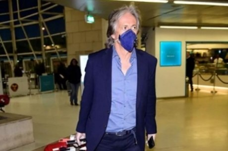 Jorge Jesus no aeroporto de Lisboa