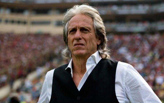 Jorge Jesus - O técnico português tem a renovação encaminhada com o Flamengo. Apenas o tempo de contrato e números referentes às bonificações separam a assinatura, que deve ser anunciada em breve