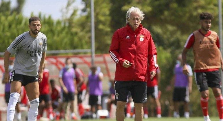 Jorge Jeus afastou Krovinovic do Benfica após ser xingado pelo meia