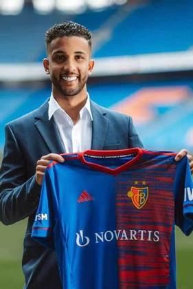 Jorge - Lateral-esquerdo - 25 anos - Basel - O Monaco emprestou o lateral ao Basel, mas o atleta rompeu os ligamentos. Com uma volta programada para junho, poderia pintar em alguma equipe brasileira no meio do ano.