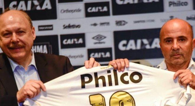 Jorge Sampaoli vê como 'questão de honra' receber R$ 4,3 milhões do Santos