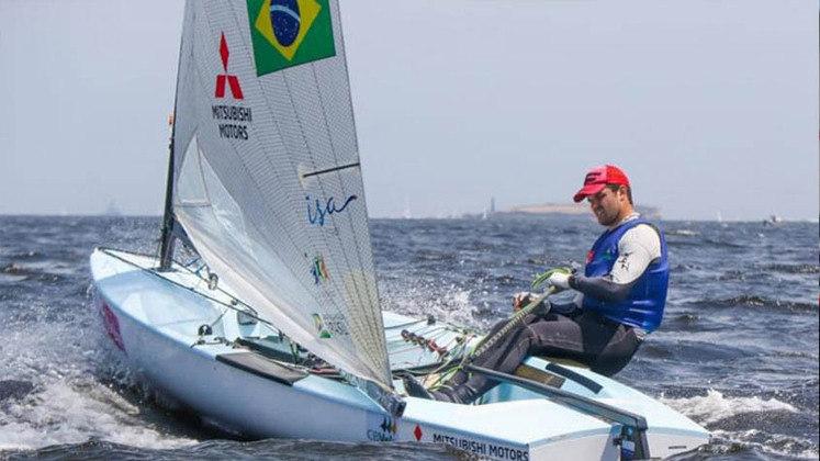 Jorge Zarif ficou em 13º na segunda regata da categoria finn.
