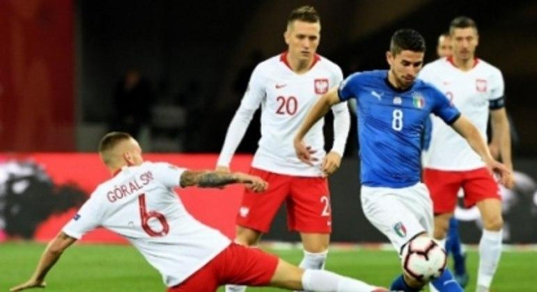 Jorginho e Goralski - Polônia x Itália