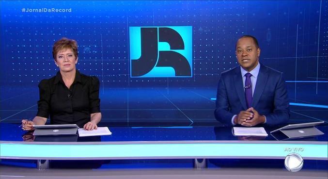 Christina Lemos e Luiz Fara Monteiro na bancada do 'Jornal da Record'