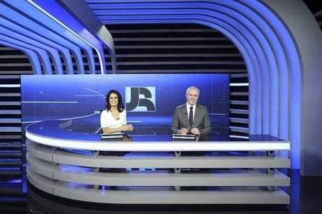 Celso Freitas e Adriana Araújo comandam o JR